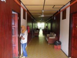 TRVMotel_Corridor